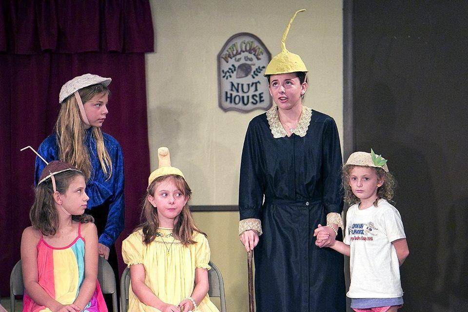 5 children rehearsing play
